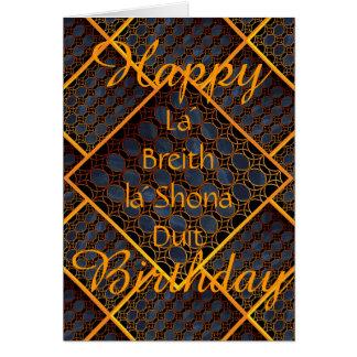 Feliz cumpleaños céltico tarjeta de felicitación