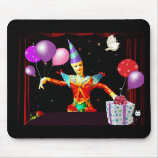 feliz cumpleaños clown1 mouse pads