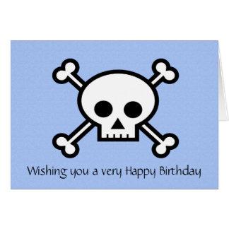 Feliz cumpleaños con el cráneo y la bandera pirata tarjetas