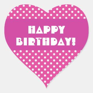 Feliz cumpleaños de los lunares rosados pegatina en forma de corazón