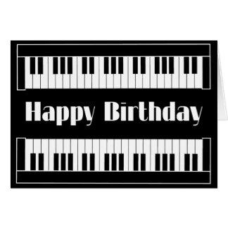 Feliz cumpleaños de los teclados tarjetón