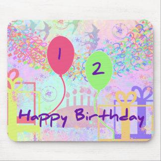 Feliz cumpleaños del niño dos años alfombrilla de raton