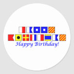 Feliz cumpleaños deletreado en alfabeto náutico de pegatinas redondas