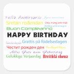 Feliz cumpleaños en pegatina de muchas idiomas