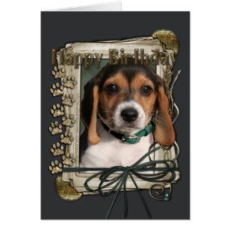 Feliz cumpleaños - patas de piedra - perrito del tarjeta de felicitación