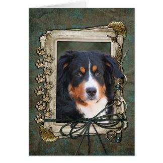 Feliz cumpleaños - patas de piedra - perro de mont tarjetón