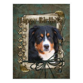 Feliz cumpleaños - patas de piedra - perro de mont tarjetas postales