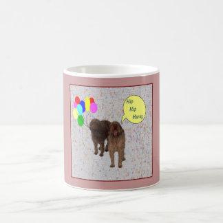 Feliz cumpleaños - perros que cantan taza de café