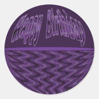 Feliz cumpleaños púrpura y negro etiquetas redondas