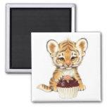 Feliz cumpleaños - tigre lindo con la magdalena imanes para frigoríficos