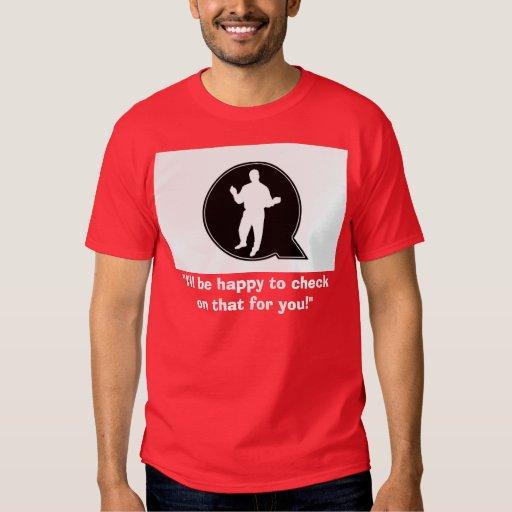 Feliz de comprobar la camiseta playera