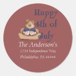 Feliz del 4 etiqueta de julio/de dirección del oso