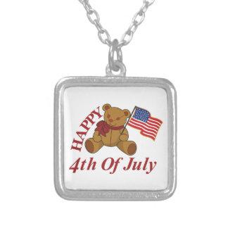 Feliz el 4 de julio colgante cuadrado