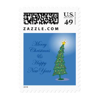 Feliz franqueo del árbol de navidad