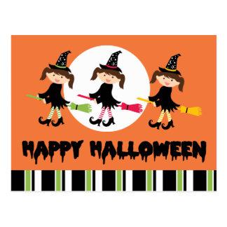 Feliz Halloween de tres pequeño brujas Postal