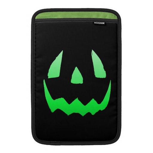 Feliz Halloween verde del resplandor Fundas MacBook