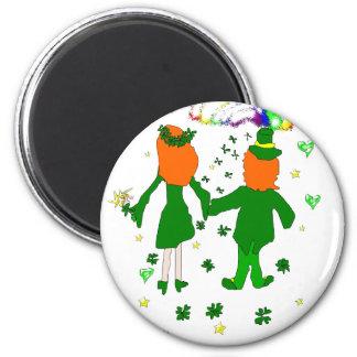 Feliz junto, pares irlandeses, tréboles, arco iris imán redondo 5 cm
