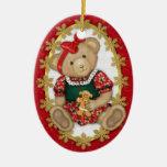 Feliz ornamento del oso de peluche de Beary - Adorno Navideño Ovalado De Cerámica