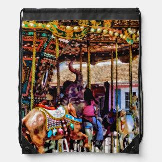 Feliz va la ronda con los elefantes mochila