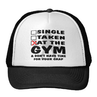 Femenino escoja tomado en el gimnasio y no tenga t gorras