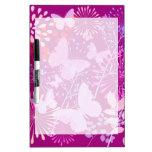 Femenino rosado púrpura vibrante del jardín de la  pizarras blancas