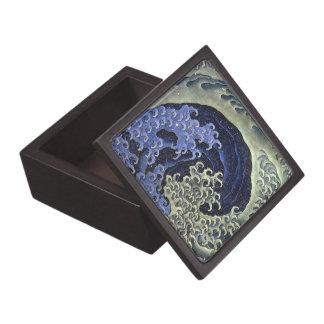 Feminine Wave by Hokusai - Giftbox B Jewelry Box