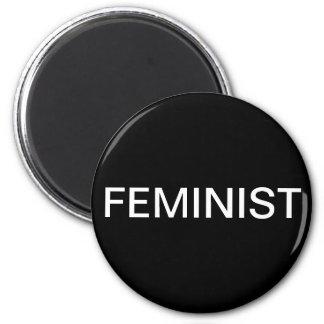 Feminista, texto blanco intrépido en negro imán redondo 5 cm