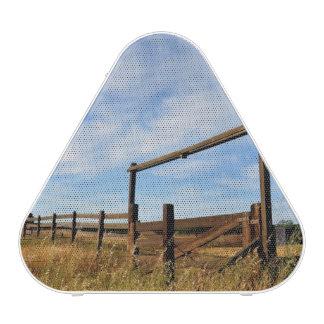 Fences in Field Speaker