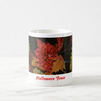 fense-flor, cerca de Halloween Taza De Café