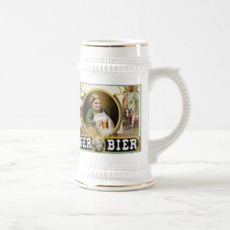Féretro de la cerveza dorada jarra de cerveza
