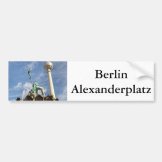 Fernsehturm y Neptunbrunnen en Berlín, Alemania Pegatina Para Auto