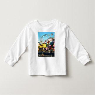 Ferris Wheel in Distance Tshirts