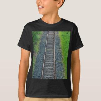 Ferrocarril de la pista del tren en la naturaleza, remeras