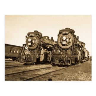 Ferrocarril gemelo de las locomotoras del vintage tarjeta postal
