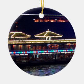 FESTIVALES: BARCO ligero de la chispa del chino Adorno Redondo De Cerámica