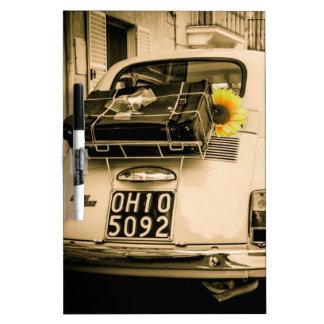 Fiat 500 Cinquecento en Italia Pizarra Blanca