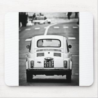 Fiat 500 en Roma, Italia Alfombrillas De Raton