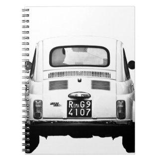 Fiat 500 en Roma, Italia Cuadernos
