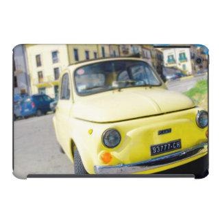 Fiat amarillo 500 vintage Cinquecento en Italia Fundas De iPad Mini