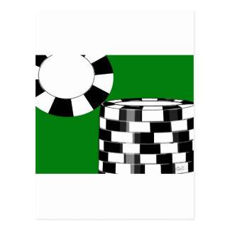 Fichas de póker blancas negras en verde tarjetas postales