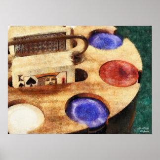 Fichas de póker y tarjetas retras póster