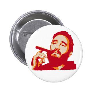 Fidel Castro con el botón del retrato del cigarro Pin Redondo De 2 Pulgadas