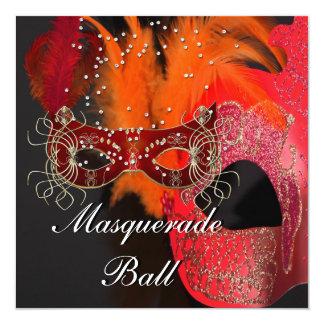 """Fiesta anaranjado rojo de la bola de mascarada de invitación 5.25"""" x 5.25"""""""