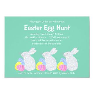 """Fiesta blanco de la caza del huevo de Pascua del Invitación 4.5"""" X 6.25"""""""