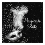 Fiesta blanco y negro elegante de la mascarada invitaciones personalizada
