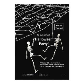 Fiesta colgante de Halloween de los esqueletos Invitación 12,7 X 17,8 Cm