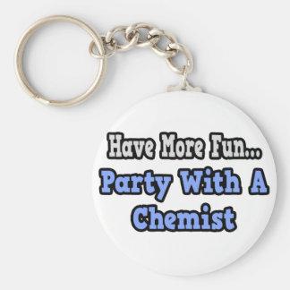 Fiesta con un químico llavero personalizado