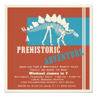 """Fiesta de aventura del cumpleaños del dinosaurio invitación 5.25"""" x 5.25"""""""