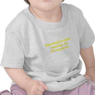 Fiesta de Bachelorette en curso Camiseta