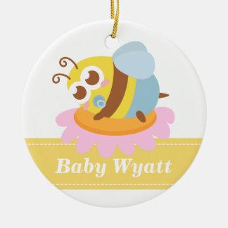 Fiesta de bienvenida al bebé: Abeja linda del bebé Adorno Redondo De Cerámica